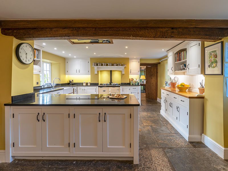 Middle Farm House Kitchen - Bed and Breakfast in Somerset